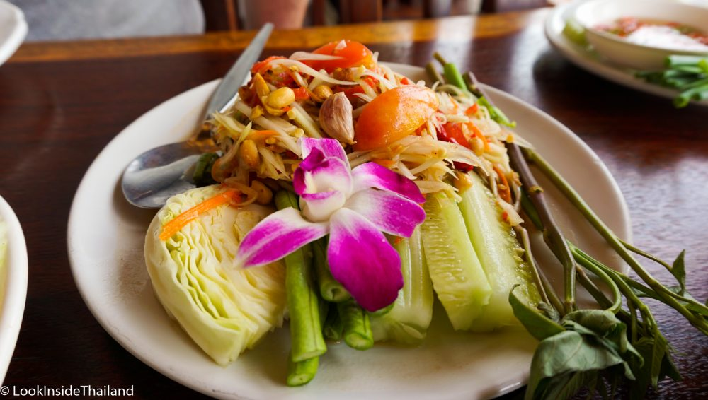 som tam spicy papaya salad recipe look inside thailand